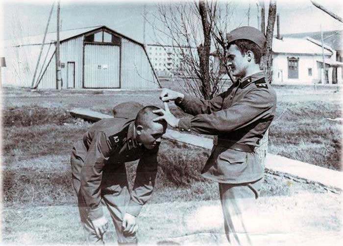 Дедовщина в армии СССР. Фото