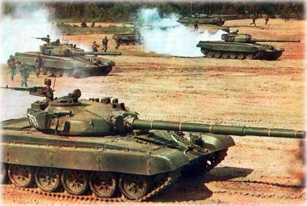 Машины, оснащена гладкоствольной пушкой, которая является основным вооружением танка