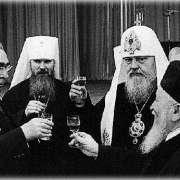 Как взаимодействовала церковь с властью во времена СССР?